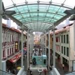 Chinatown Food Street, una calle cubierta convertida en una gran plaza de comidas