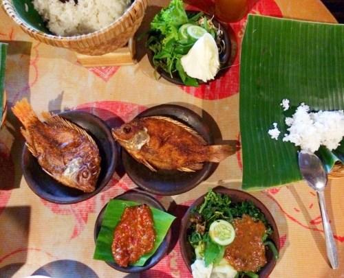 Comida en Waroeng SS