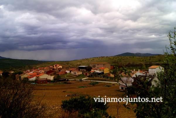 Ruta a las Cárcavas, Patones, Madrid; senderismo por sitios singulares de la Comunidad de Madrid; tormenta y Alpedrete de la Sierra
