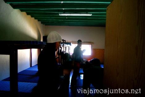 Las famosas camas corridas del refugio Pingarrón Que hacer en la Sierra de Guadarrama, donde alojarse y comer