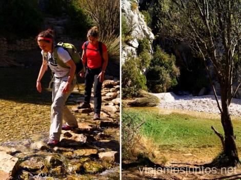 Cruzando ríos Ruta circular Rodellar - pueblo abandonado Otín - Rodellar. Vistas del barranco Mascún, Dolmen Losa Mora