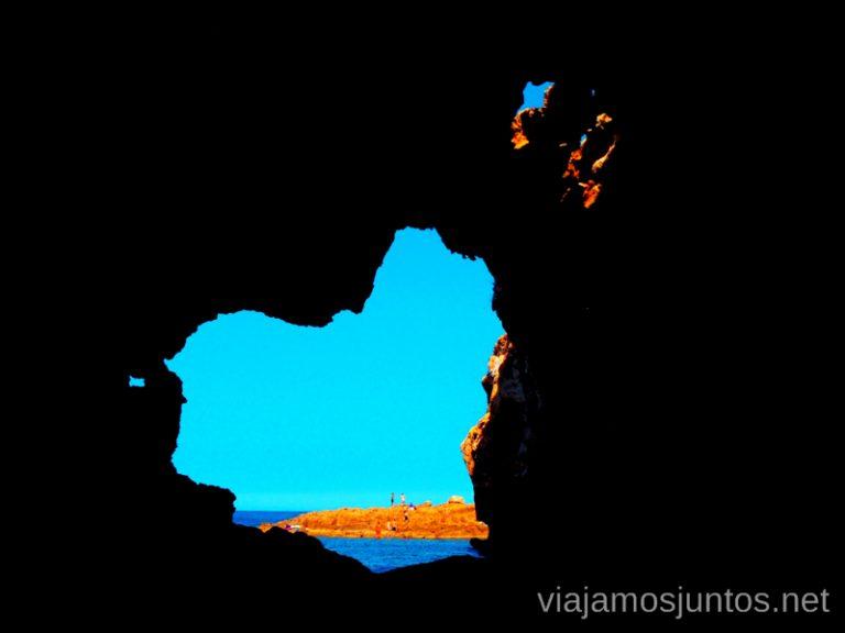 El mundo a través de la cueva Tallada Ruta desde Les Rotes hasta laa Cueva Tallada a pie. Denia. Valencia