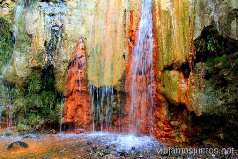 Cascada de colores. Caldera de Taburiente Un viaje a la isla de La Palma, islas Canarias