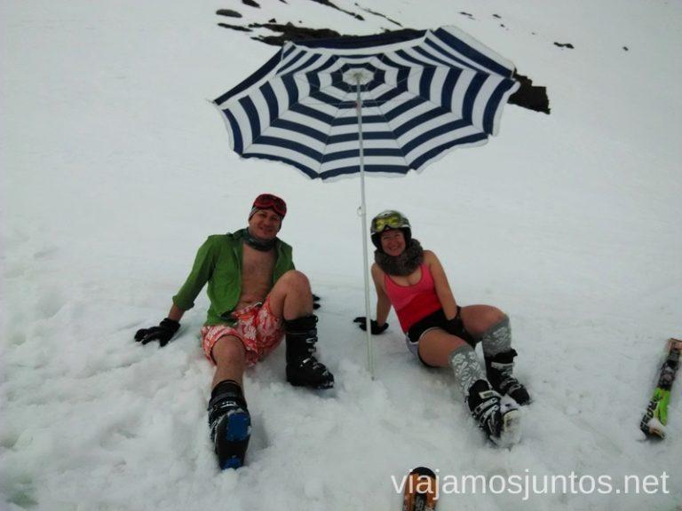 Nos desnudamos para ahorrar en esquí Día de bajada en bañador en Sierra Nevada Nuestras estaciones de esquí favoritas. Dónde esquiar y cómo ahorrar