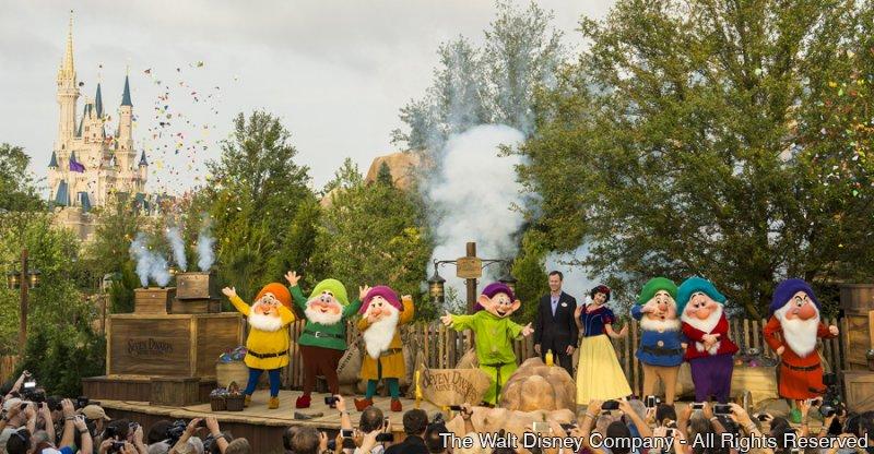 A Disney já iniciou o soft-opening da atração Seven Dwarfs Mine Train