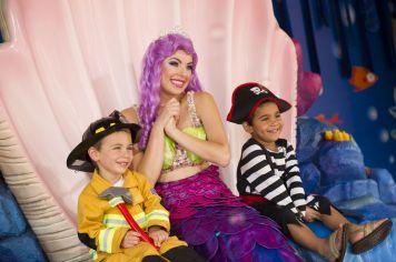 Halloween Sooktacular - SeaWorld Orlando - Mermaid Grotto 2