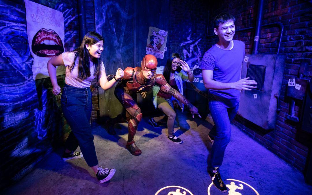 Flash e Cyborg no Madame Tussauds Orlando