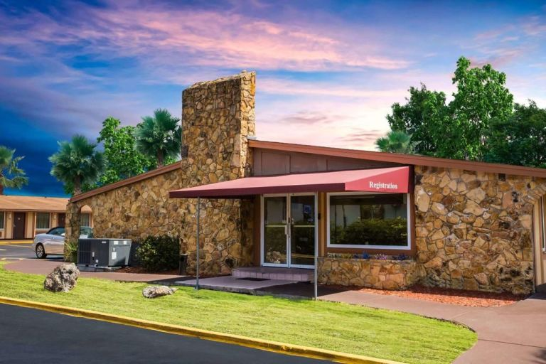 Knights Inn – Maingate Kissimmee
