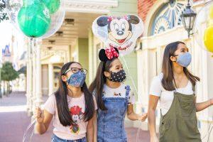 A necessidade do uso de máscaras persiste no Walt Disney World Resort