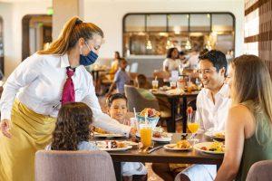 A Disney atualizou as regras sobre a utilização de máscaras enquanto os visitantes comem e bebem