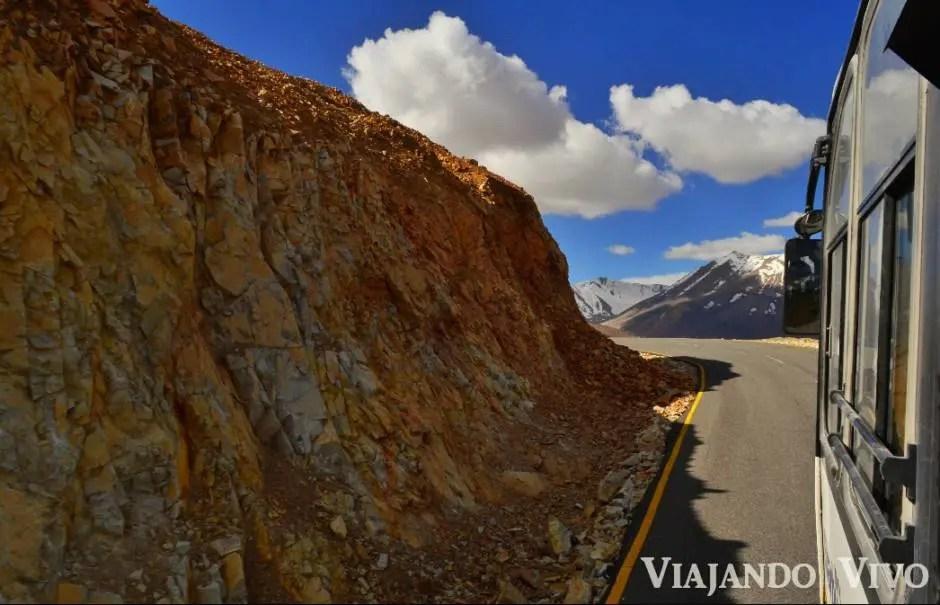 Vista desde el colectivo en la ruta Leh - Manali