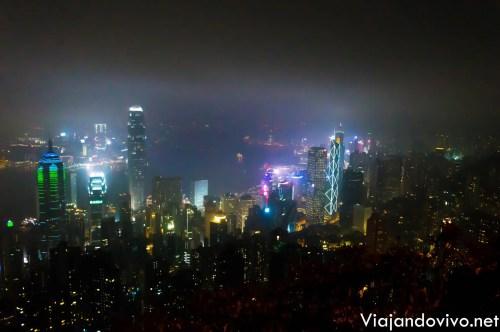 Noche en el mirador del Victoria Peak, en Hong Kong