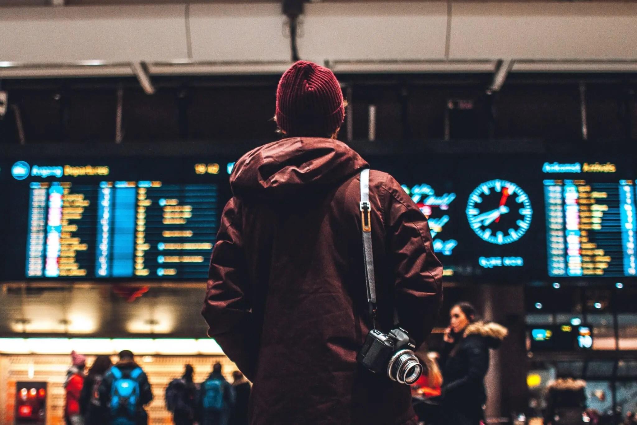 Esperando un vuelo para viajar