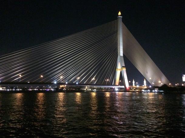 Jantar-cruzeiro no Rio Chao Phraya - Dicas de Bangkok