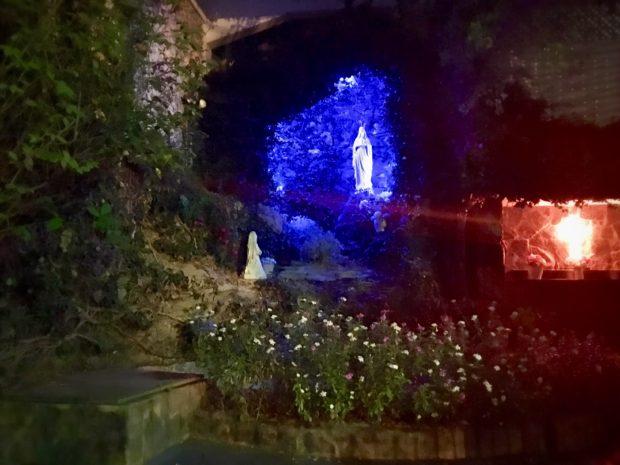 Gruta de Nossa Senhora de Lourdes, na Igreja Matriz de São Lourenço