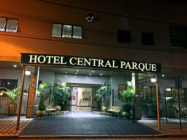 Faxada do Hotel Central Parque