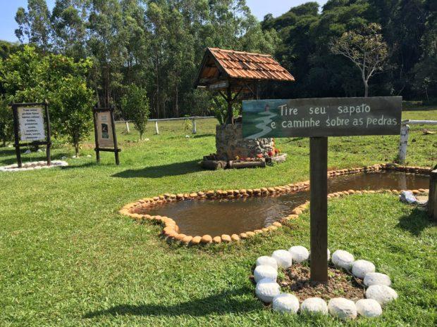 Quinta do Cedro- Tire seu sapato e caminhe sobre as pedras