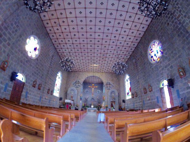Interior da Igreja Matriz São Pedro em Gramado no Rio grande do Sul