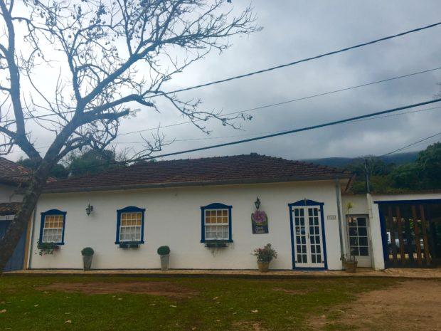 Fachada da Pousada Casa de Violeta