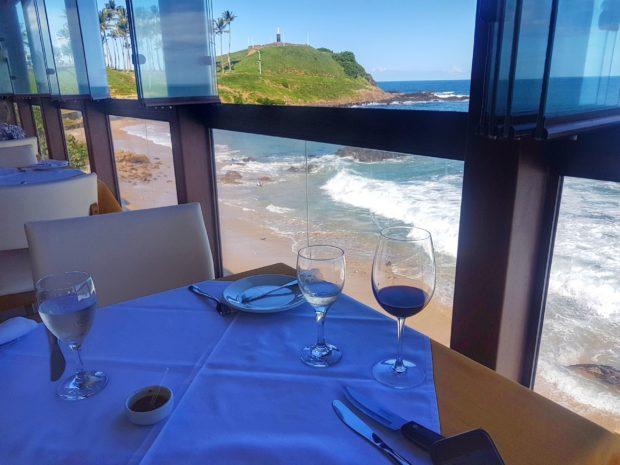 Almoçando no Restaurante Barravento, curtindo a vista do Cristo.