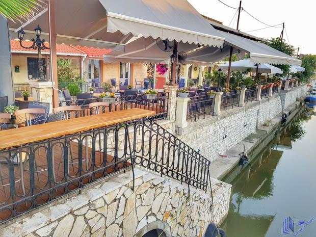 Riverside em Corfu