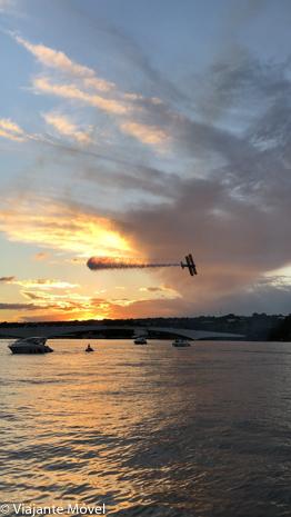 Apresentação de aviões no Pontão do Lago Sul em Brasília