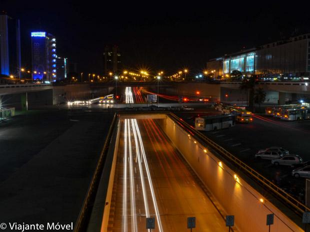 Roteiro romântico em Brasília com um passeio noturno