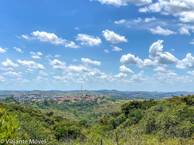 Vista de Tiradentes a partir da Trilha do Mangue em Minas Gerais