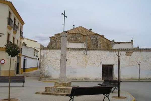 plaza de la cruz verde de villanueva de alcardete