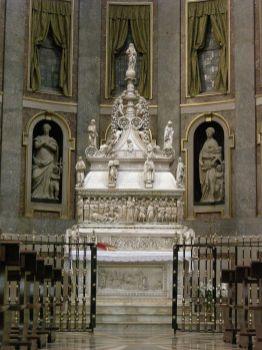Arca de Santo Domingo en Bologna