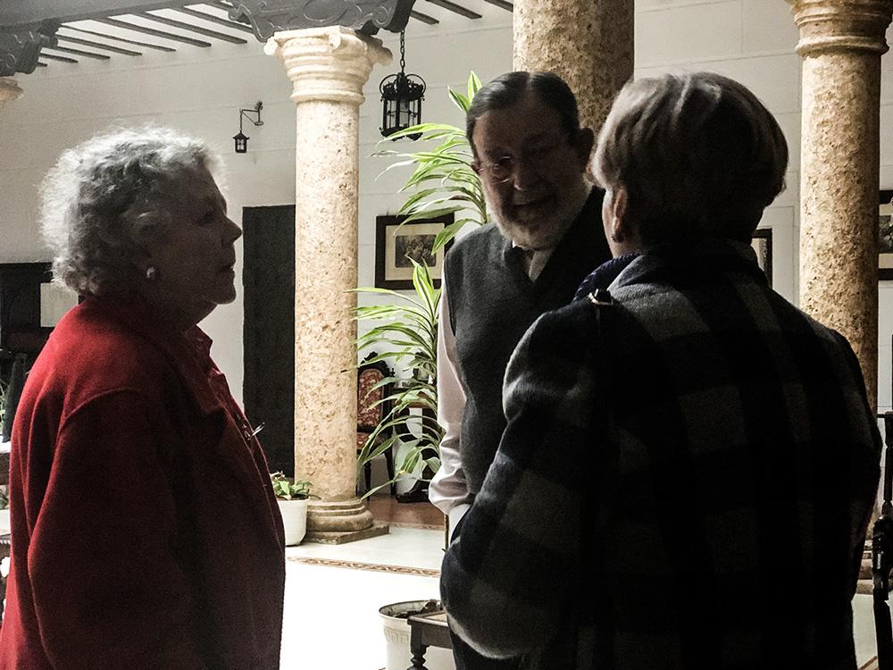 Isabel Paloma y Miguel Angel en la Casa de los Acacio