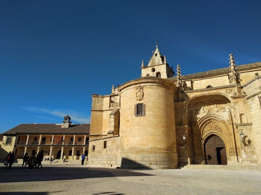 Plaza mayor torrelaguna