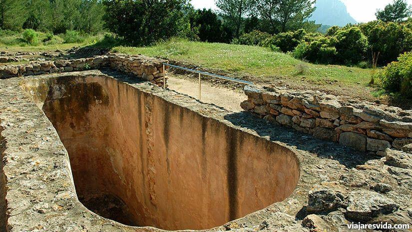 Yacimientos arqueológicos de Ibiza: ses Païsses de Cala d'Hort