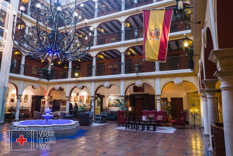 Lobby del hotel El Andaluz