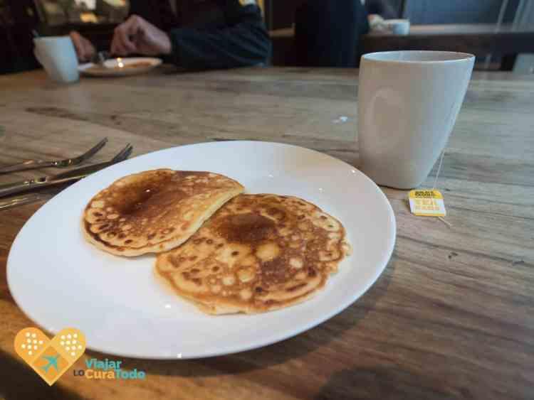 free pancakes breakfast Nomads Melbourne