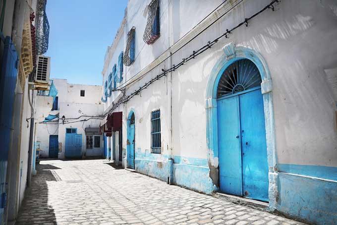 tunisia-street-medina-mediterranean-blue-door