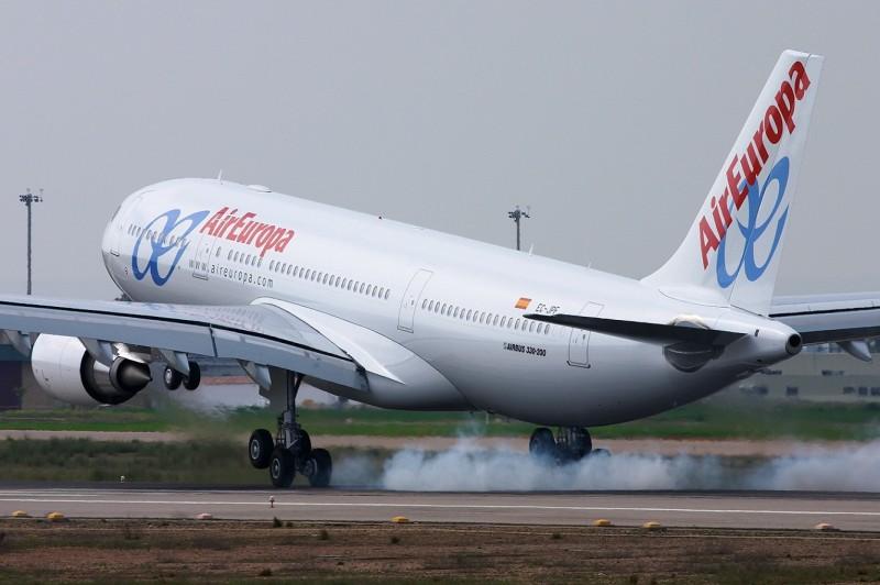 Air_Europa_A330-200__horiz_3