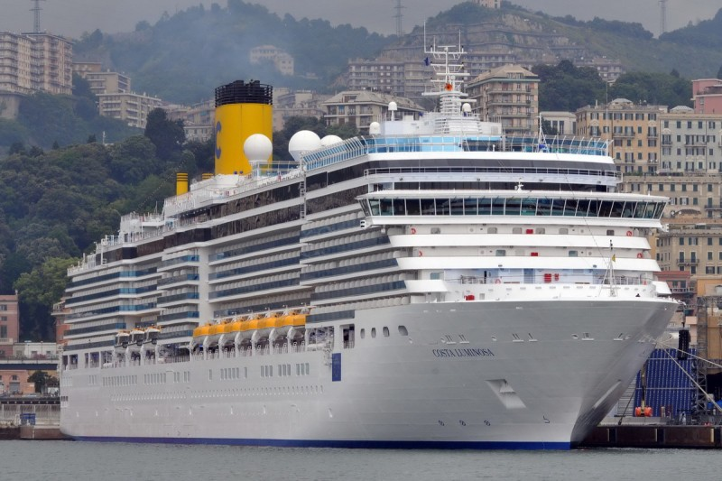 COSTA_LUMINOSA__Genova