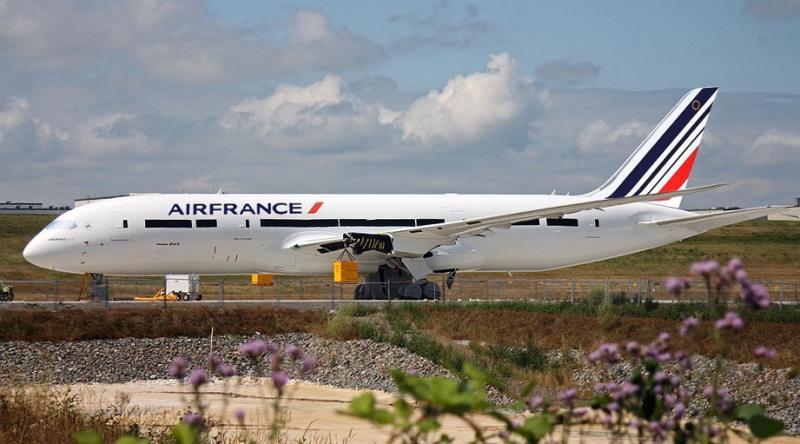 Air_France_B787__horiz