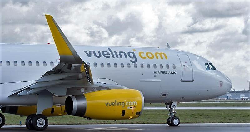 vueling_Airbus_A320__horiz_myAs