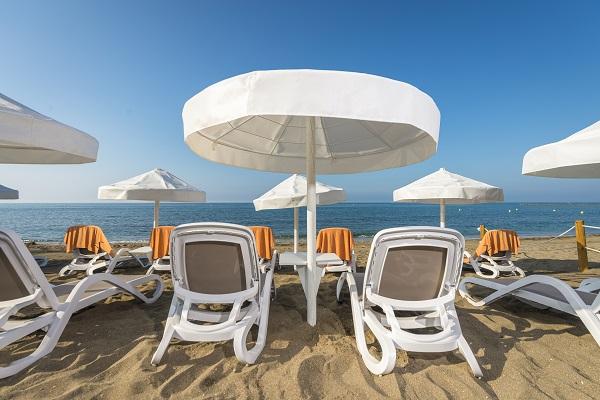 fuerte-marbella-instalaciones-hamacas-playa-5med