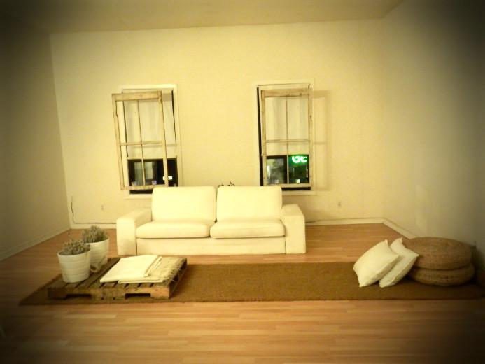 Minimalist living room in Toronto