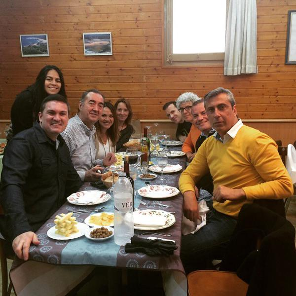 Comensales en mesa de #CocidoDay Barcelona