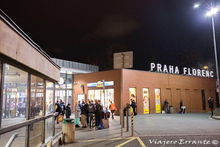 Como Ir Desde El Aeropuerto De Praga Al Centro Viajero Errante