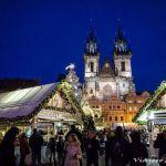 Mercadillos navideños de Praga – Vino caliente, luces, y buen ambiente.