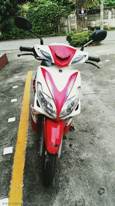 alquilar moto en tailandia