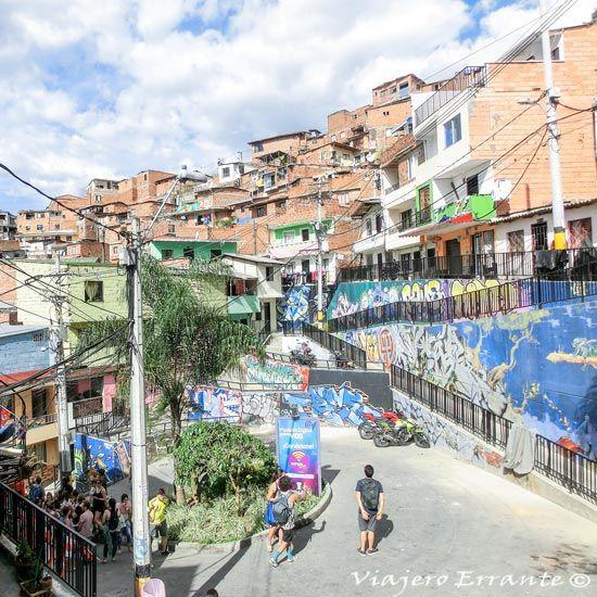 Plaza en la comuna 13 en Medellín