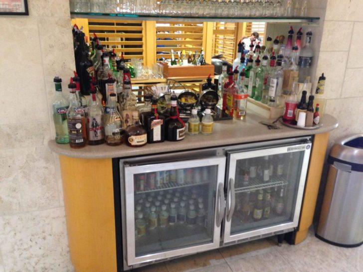 Sala VIP lounge oneworld en Terminal E de Miami - MIA-20
