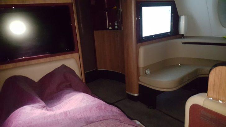 qatar-airways-a380-cama-cdg-doh