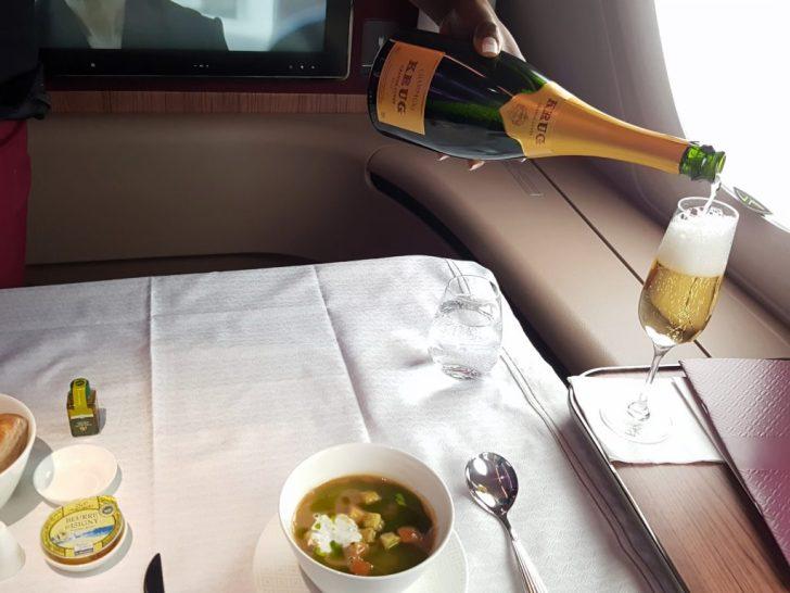 qatar-airways-cdg-doh-primera-clase-a380-163347
